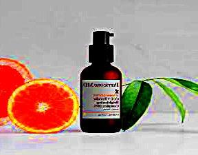 Вітамін С в косметиці: свіжий колір обличчя завдяки сироватці вітаміну?
